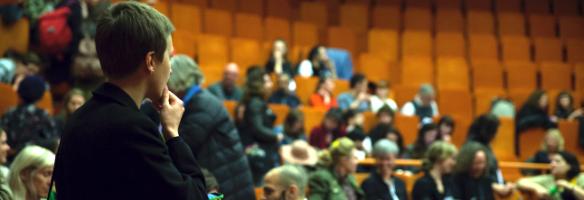 Imagem de um encontro plenário do IETM